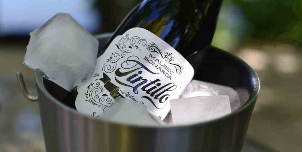 Tintillo wine chilled